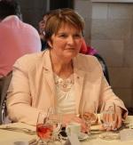 Mme Michelle Moreau